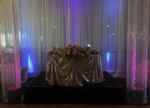 Crystal columns sweetheart table