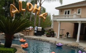 Hawaii Hawaiian Aloha pool decor balloons